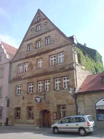 Charmante 3-Zimmer-Altbauwohnung im Herzen Bayreuths